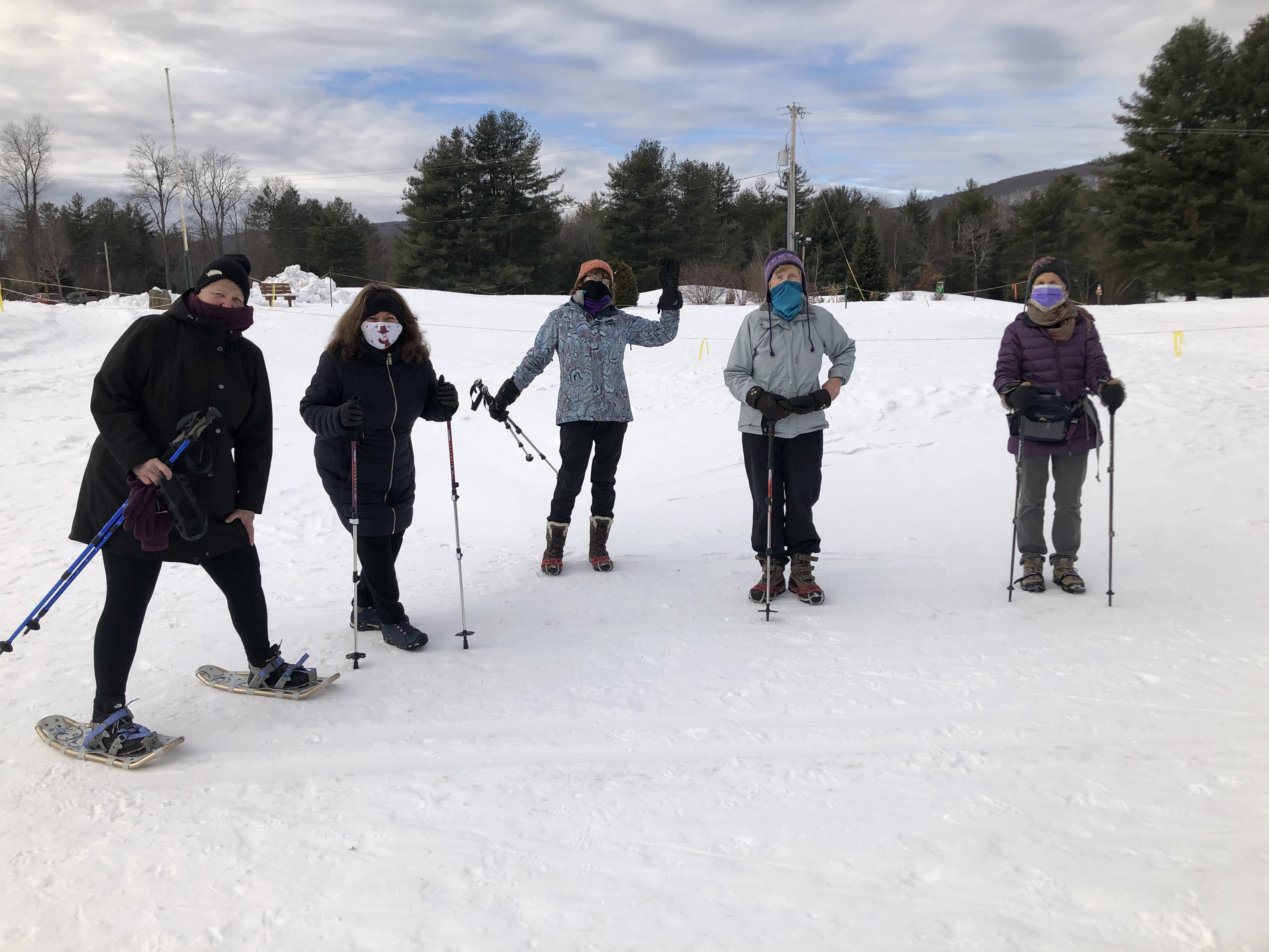 Brookhaven-Snowshoe-group-at-start-1